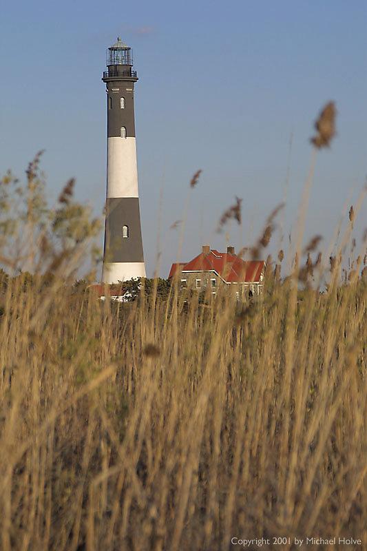 lighthouse-02.jpg