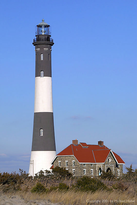 lighthouse-03.jpg