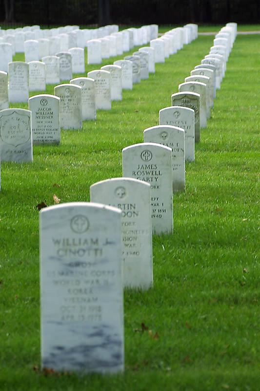 pinelawn-cemetery-01.jpg