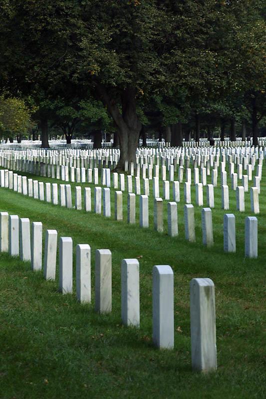 pinelawn-cemetery-03.jpg