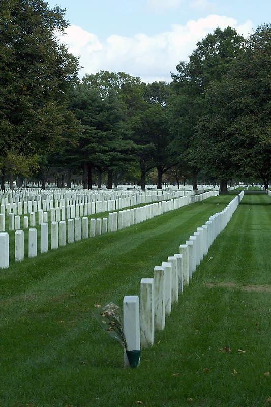 pinelawn-cemetery-04.jpg